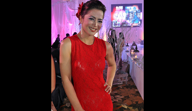 ... Alice Dixso... Alice Dixson Husband